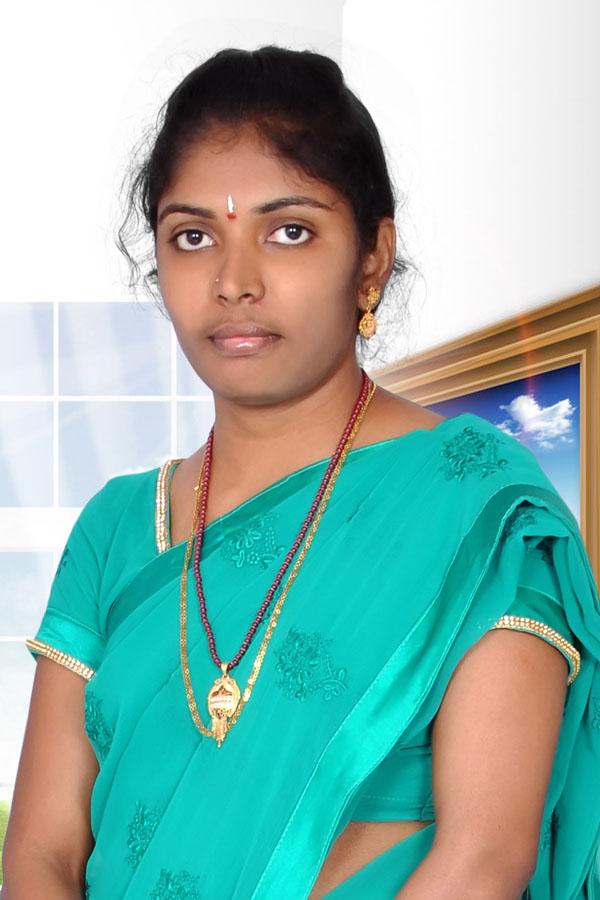 Tallam Aruna, Bride, Kapu, Not working, East Godavari